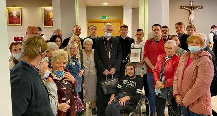Poznańscy niesłyszący u swojego biskupa